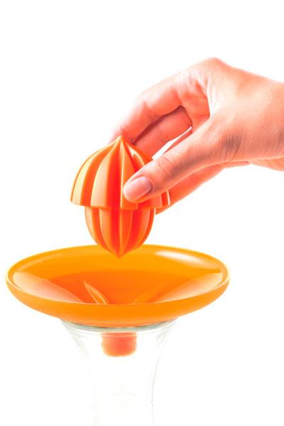 equipar uma cozinha pequena Mastrad-2-in-1-Citrus-Juicer-2-271x300