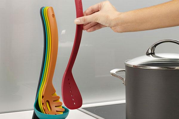 equipar uma cozinha pequena Nest-Utensils-plus-Final_53378-300x300