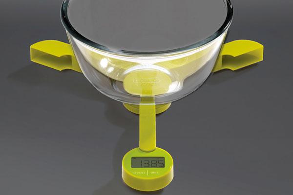 equipar uma cozinha pequena balance-electronique-triscale-joseph-joseph-2