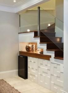 embaixo da escada decoração