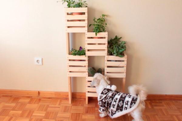 como-fazer-um-jardim-vertical-de-madeira-barato-3