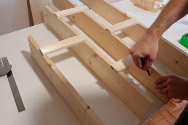 como-fazer-um-jardim-vertical-de-madeira-barato-4