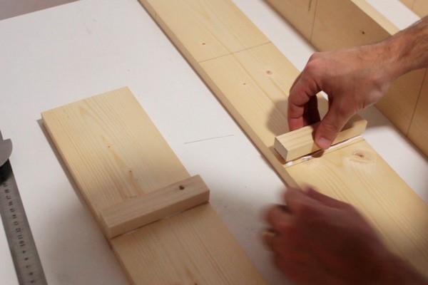 como-fazer-um-jardim-vertical-de-madeira-barato-6